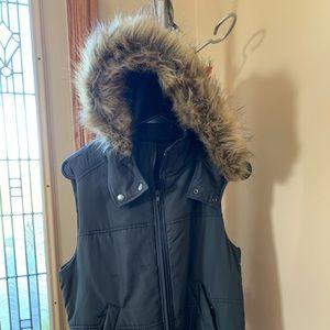 Express detachable hooded vest